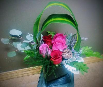 anniversary, birthday, valentine, flowers, bouquet, embrace, rose, love, vase, lumsden, regina, craven, regina beach, buena vista