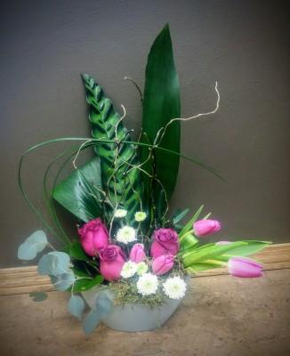 anniversary, birthday, valentine, flowers, bouquet, embrace, rose, tulips, zen, ikabana, love, vase, lumsden, regina, craven, regina beach, buena vista