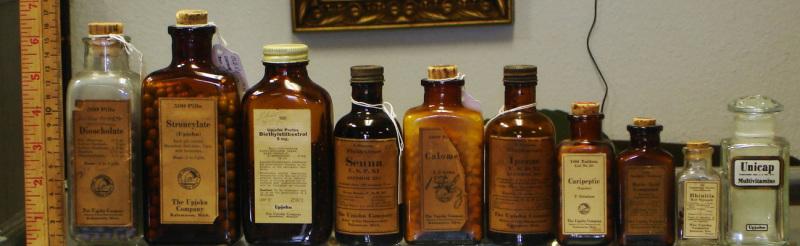Antique bottles 4 @ diggerzone.com
