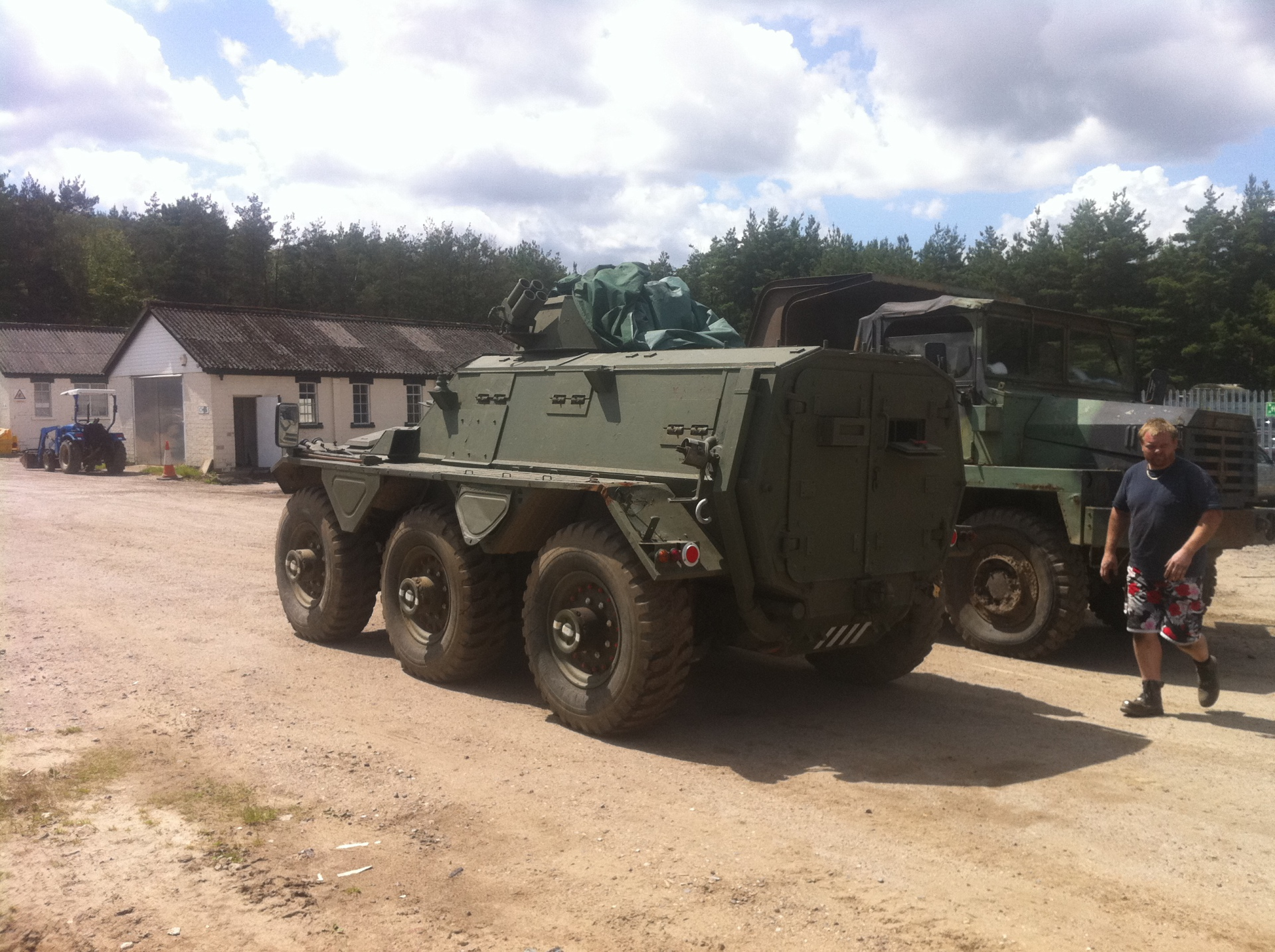 Saracen Alvis made FV603  one of the Alvis familiy of 6x6 drive vehicles including Stalwart, Saladin, Salmander