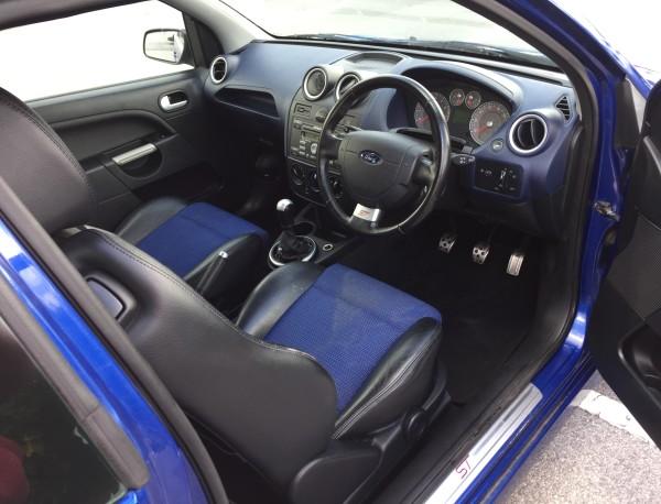 Half Leather Sport Seats