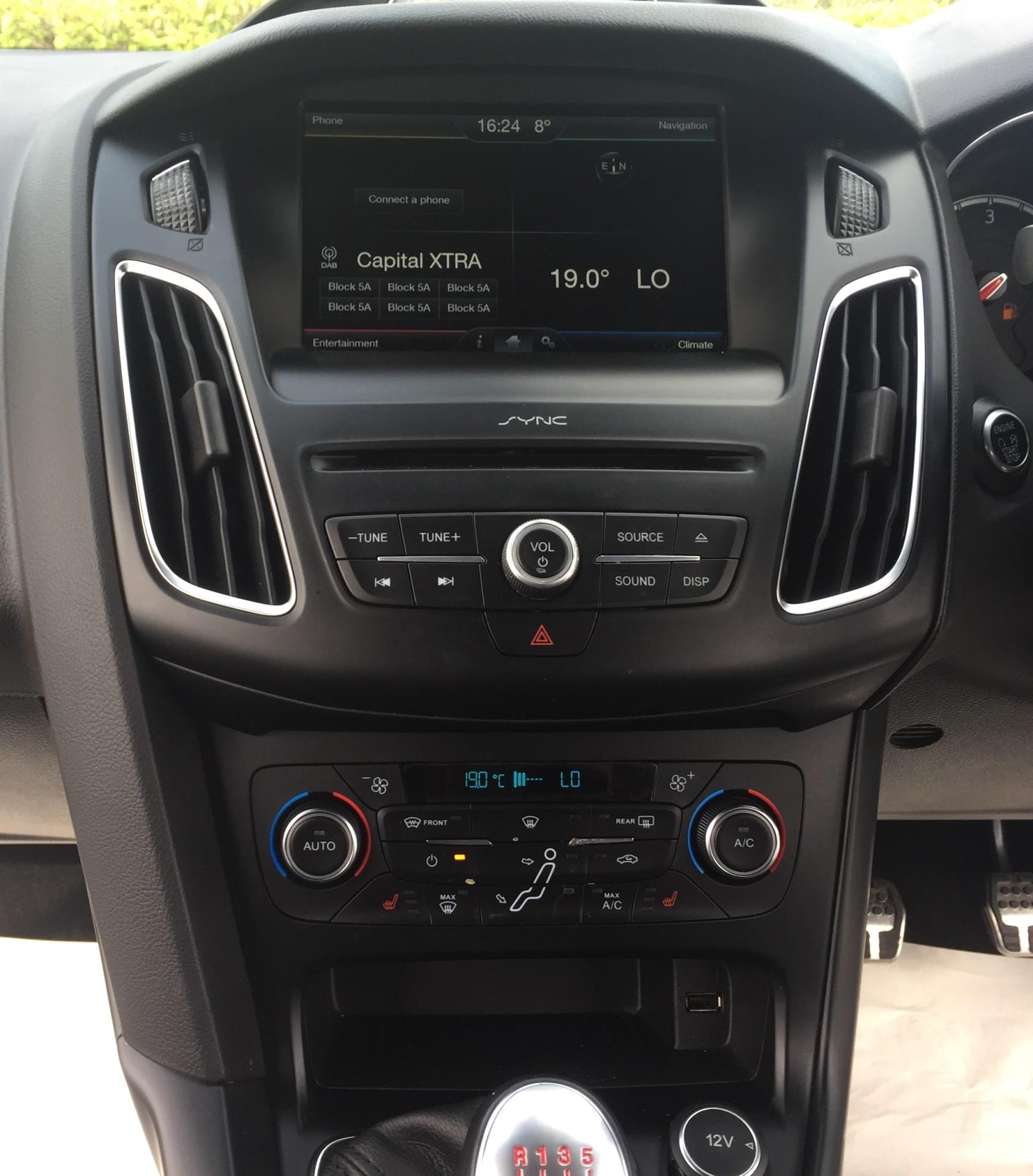SYNC2 DAB Audio System
