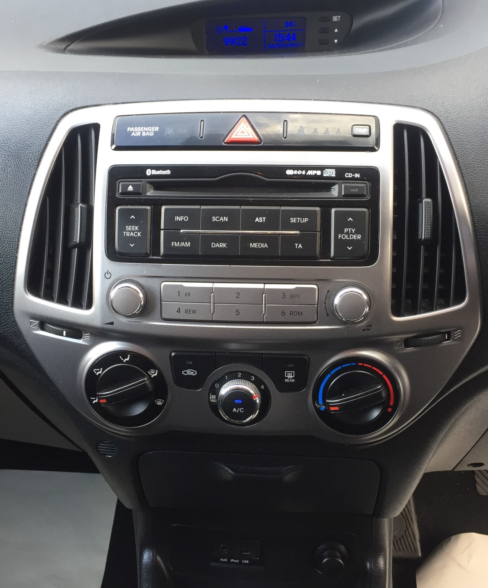 USB/AUX/CD Player