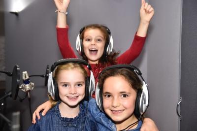 kids singing party