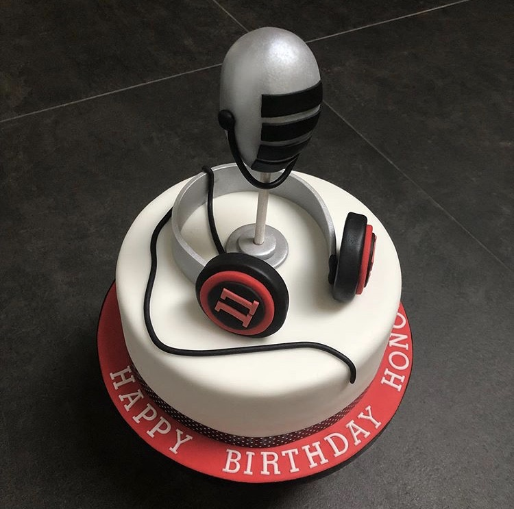 Singsational Birthday Cake