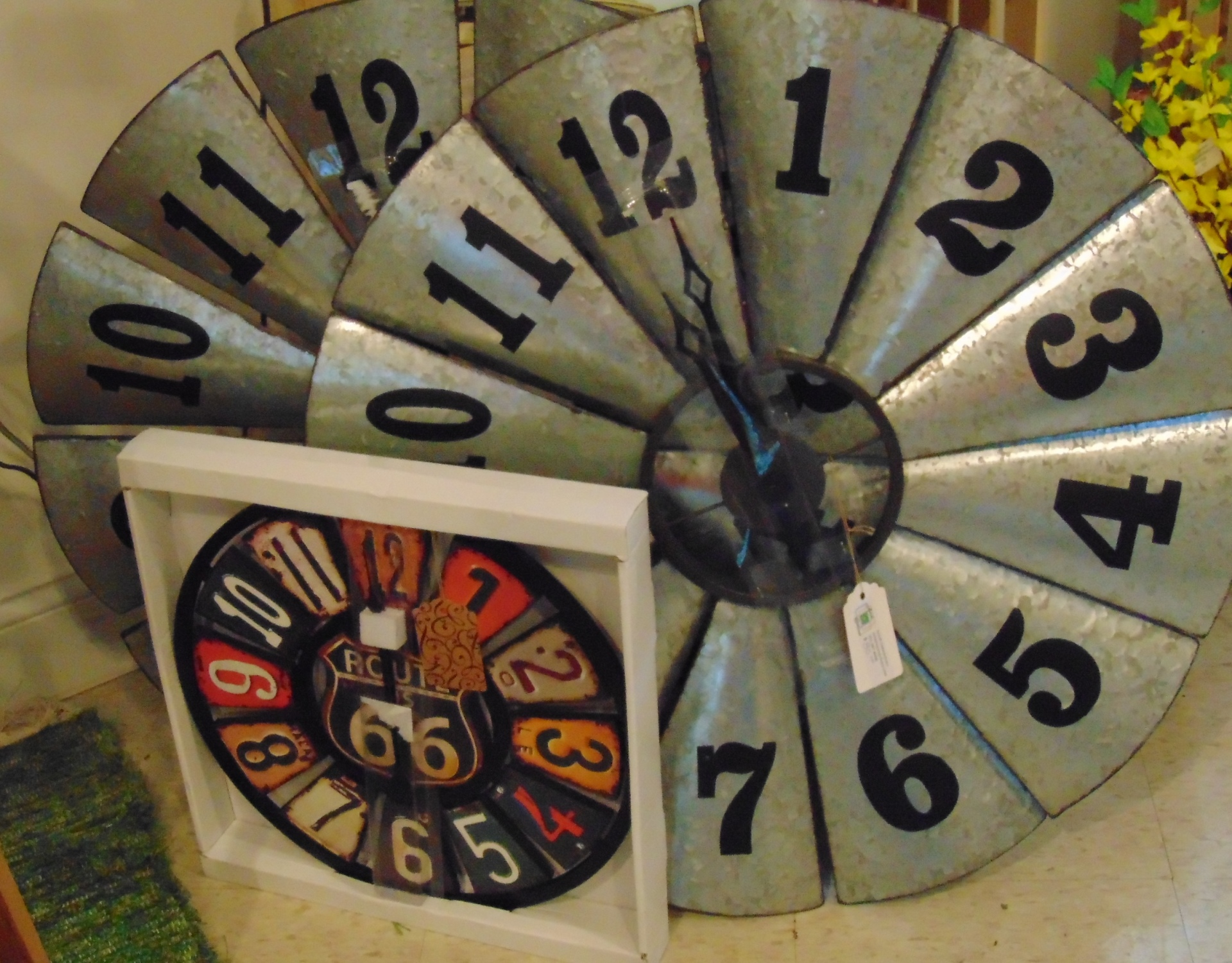 Unique Clocks