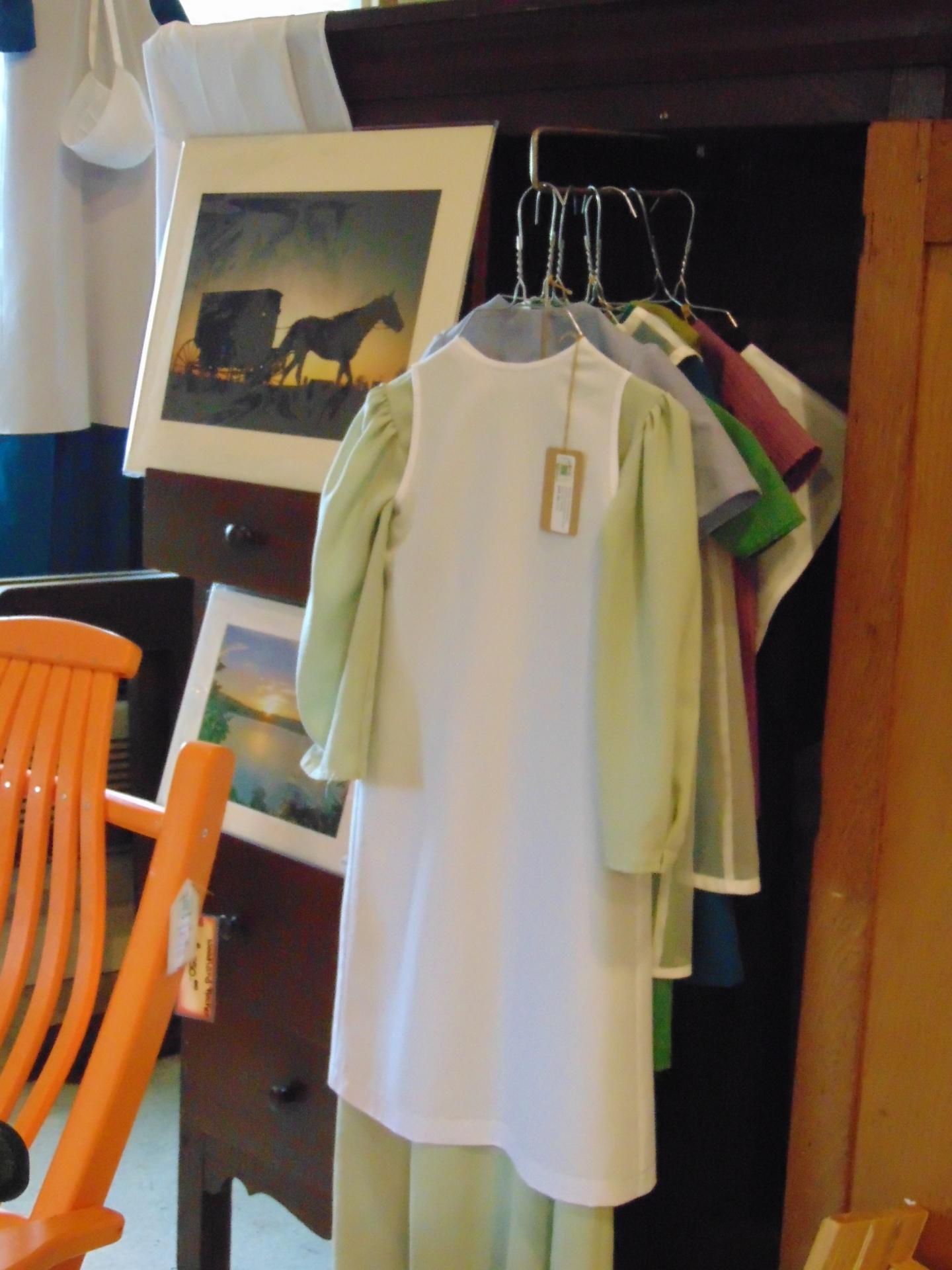 Amish Girl Dresses
