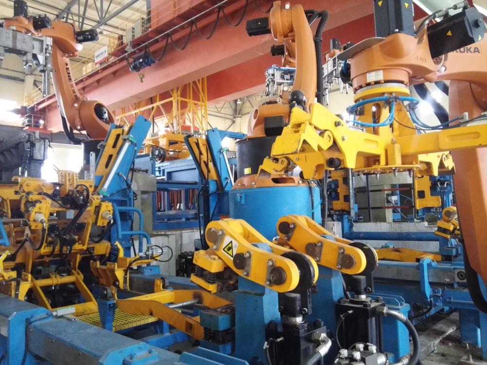 Robotic Cathode Stripping Machine