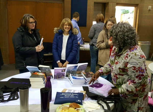 Author Member Ethel Diggs visiting with readers at the Winter Book Fair
