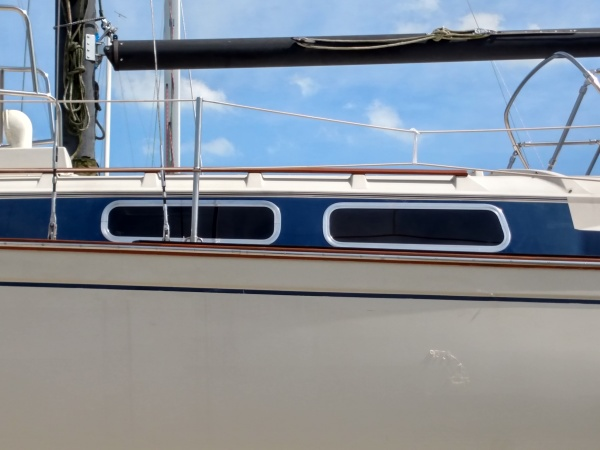 All port frames were polished and re-installed on Pearson 323