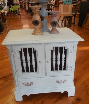 Orr Decor painting furniture