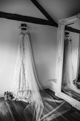 Charles McArthur Wedding Photography Bride Dress Wedding Dress Oxfordshire Oxford