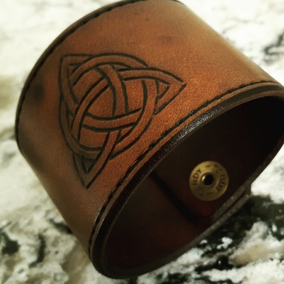 TRIQUETRA - Leather Cuff -