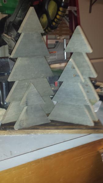 Pallet Christmas tree decoration