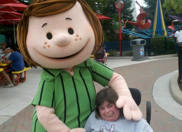 Peppermint Patty visiting Amber at Dorney Park