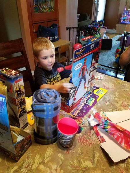 Amber's Package of Love Kid, Gavin (Pennsylvania)