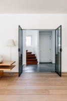 fraam stalen ramen en deuren dubbele pivoterende stalen deur met L-greep / glas in fumée zwart