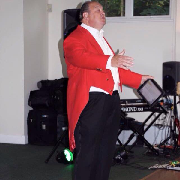 Nick Ede Toastmaster conducting the wedding reception