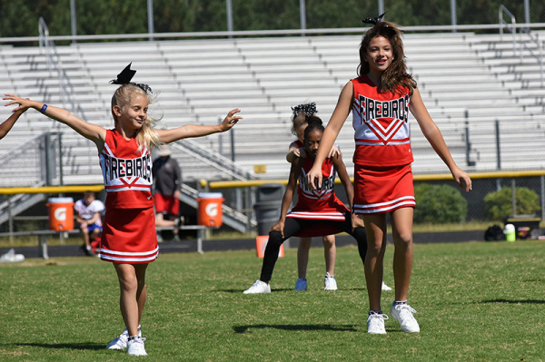 2017 Game 4 - Cheer - 10