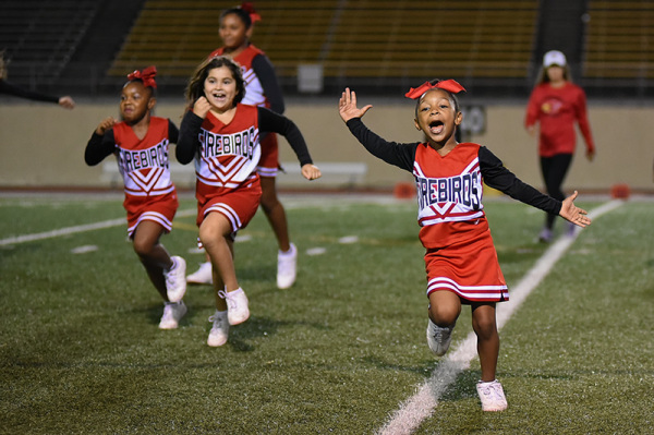 Game 8 Cheer - 09