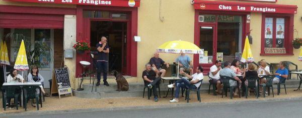 Venue - Chez Les Frangines Bar , Miallet , Dordogne, France