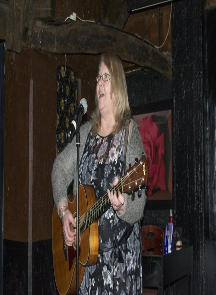 Lynne Paris, Award Winning Singer Songwriter and Festival Host