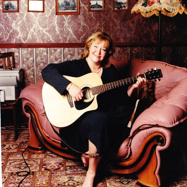 Lynne Paris