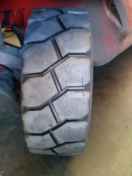 Steer Tyre Re-grooved