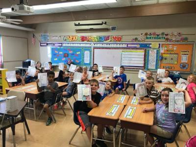 FofU4 Contributed New Desks for 2nd Grade at UES