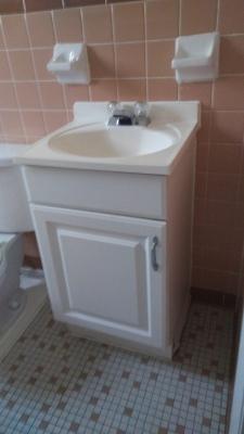 1 Bedroom sink