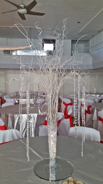White curly willows with hanging crystels.