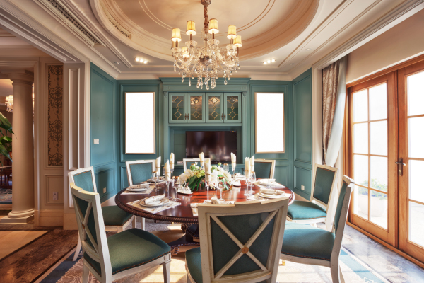 Teal, interior design, luxury, elegant, chandelier, area rugs, fireplace ideas, paint colors, dining chairs, tray ceiling,