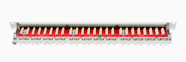 Patch Panel, blindado, 24 puertos CAT 6A