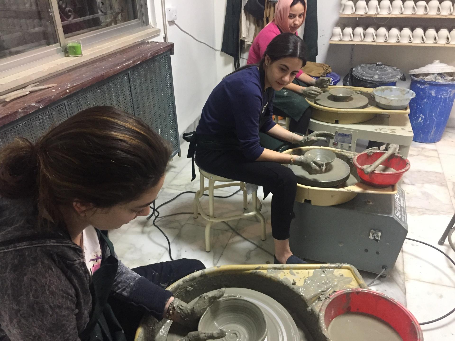 فن #دورات #رسم #خزف #الاردن #مركزفنون #تدريبرسم #جرافيك #فنعمان #فنون #عمان  #FineartsJordan #ArtCentreAmman #AmmanArt #Pottery #Drawing #ArtClasses #Jordanart #cacamman #ArtCentre #Center #Printmaking #Photography #wheelthrowing #Clay  #CACamman #creativeartcentreamman #AymenAzzam