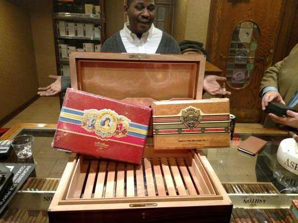Milwaukee cigar event prizes with Aston