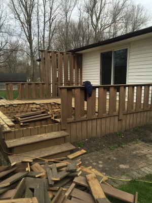 BEFORE - DEMO OLD WOODEN DECK