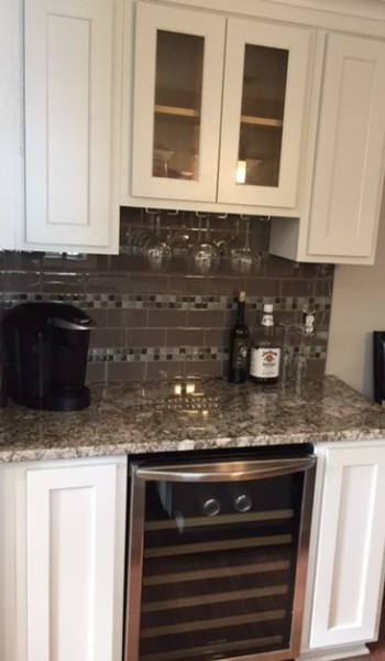 KITCHEN BAR WITH BUILT IN WINE COOLER
