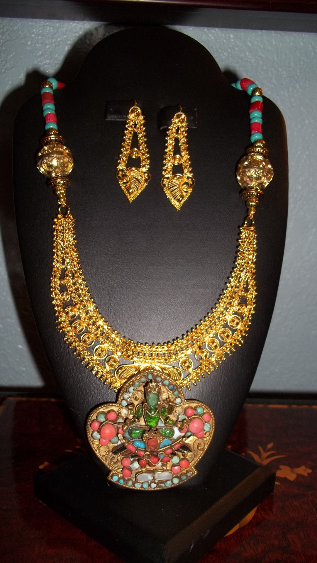 Hindu Marriage Necklace with Ancient Hindu Pendant