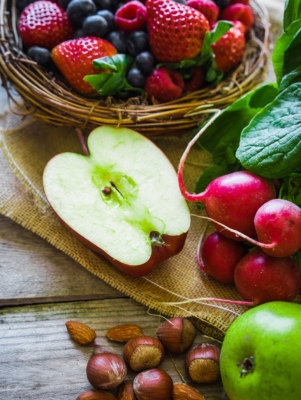 Essential fruits and vegetables to buy organic