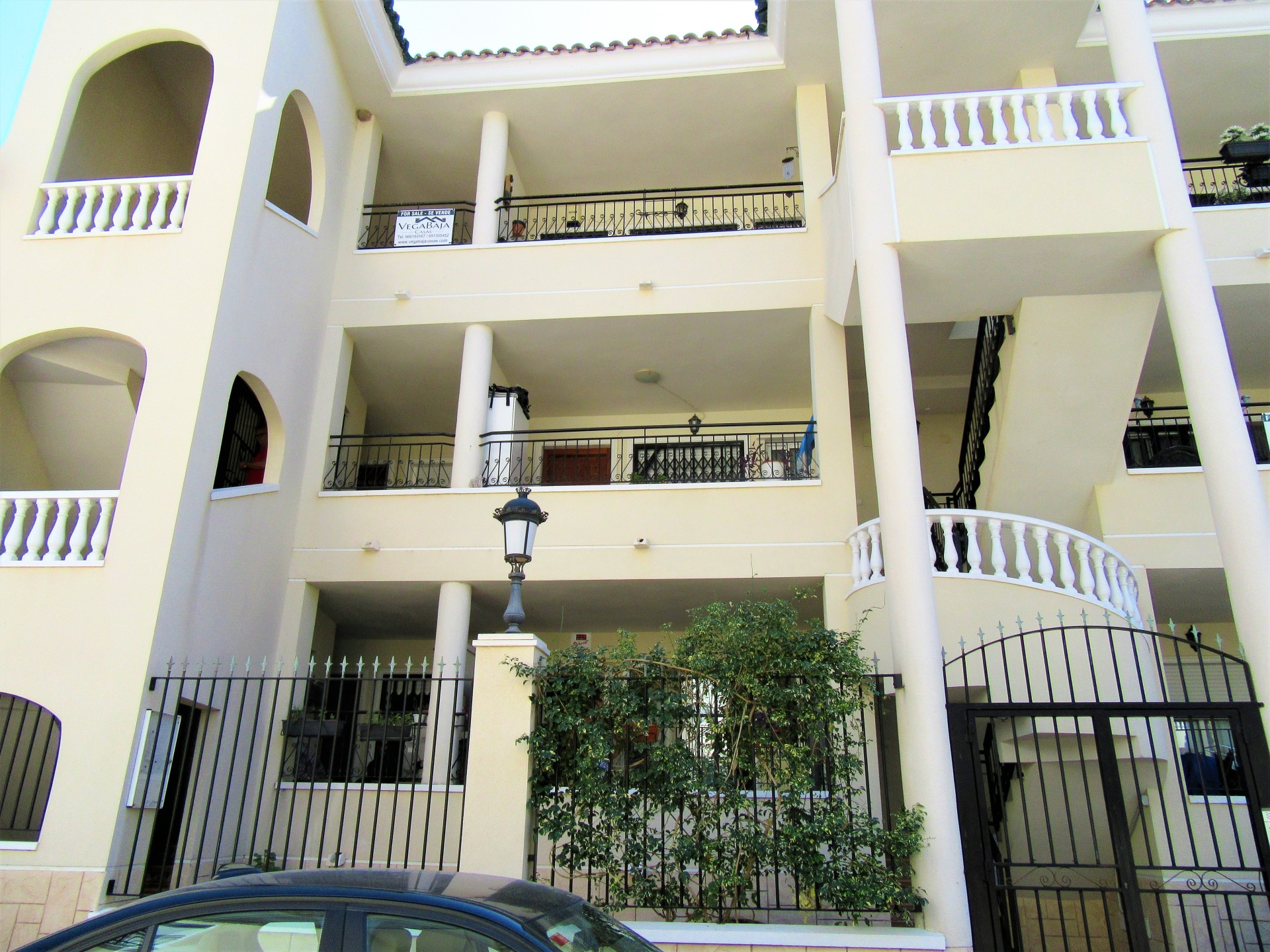 TOP FLOOR APARTMENT JACARILLA 82.500€