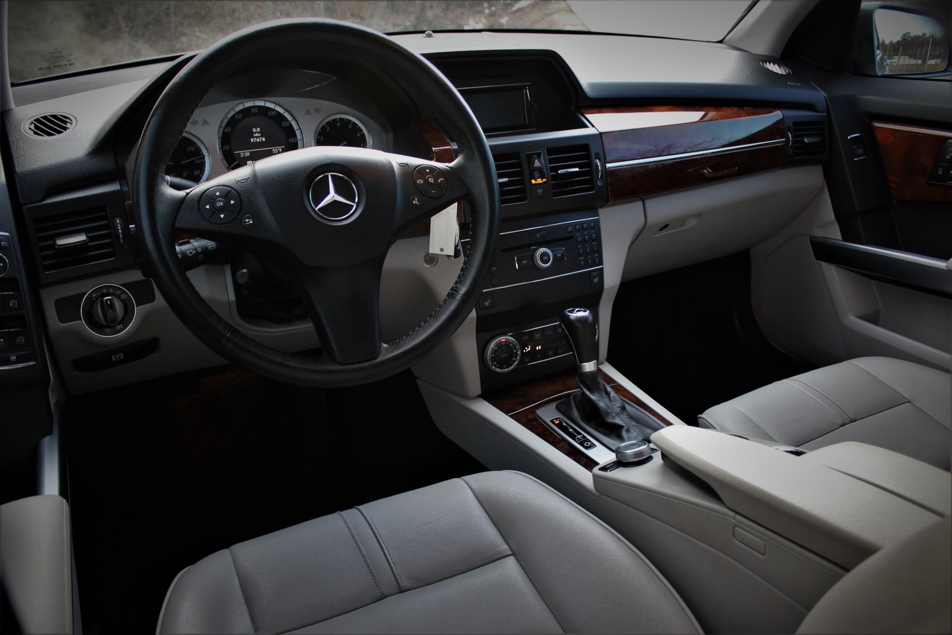 2010 Mercedes-Benz GLK350