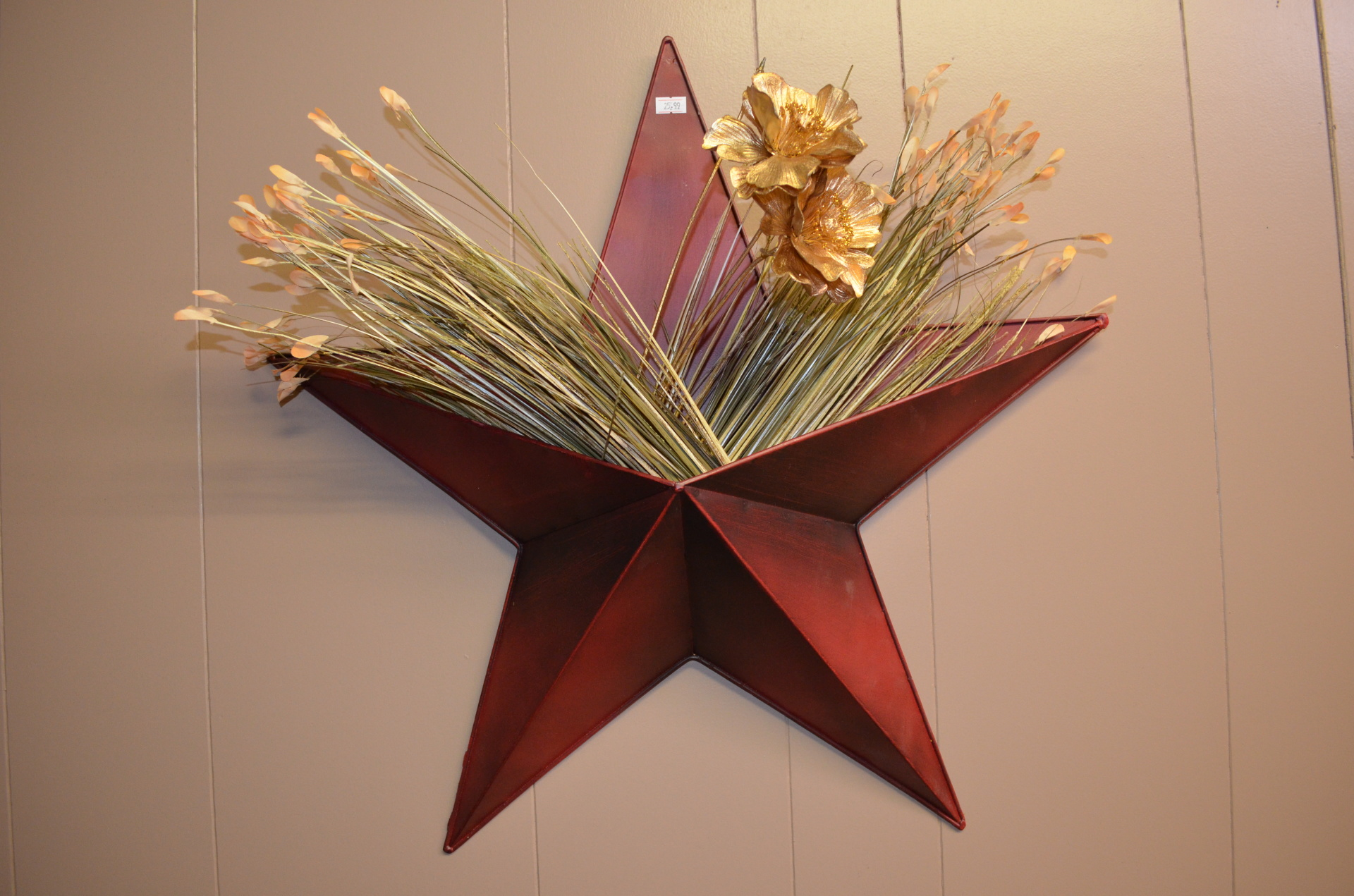 Hanging Star Tin $25.99