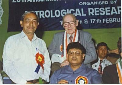 Dr.V.K Saxena with Australian Astrologer Mr. Silva at International Astrologers Conference in Calcutta