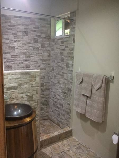 Bathroom Luxury Suite 1