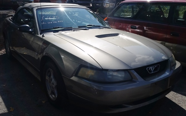 02 Ford Mustang Convertible $1699