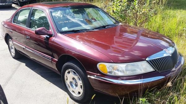 02 Lincoln Continental $2,495