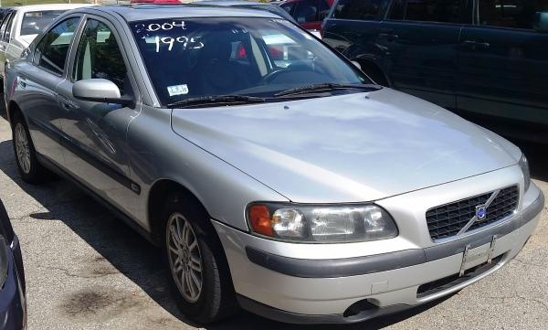 04 Volvo $1,995
