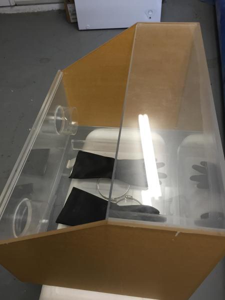 Flasking cabinet