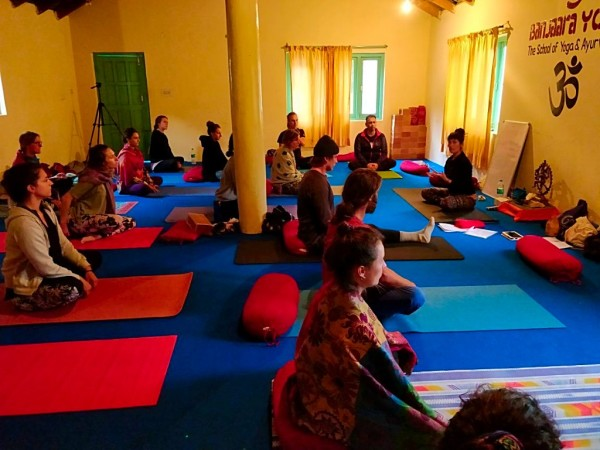 Yoga Course India - Chakra Balancing Yoga Class