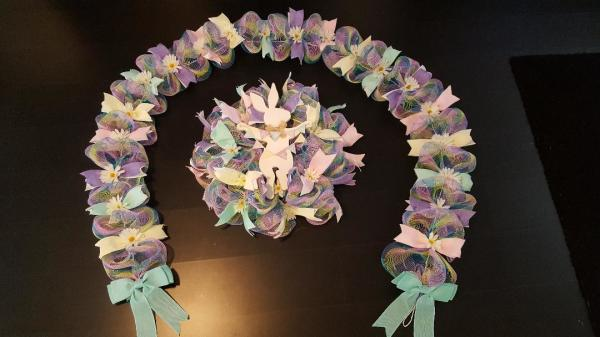 Bunny w/banner wreath/garland set